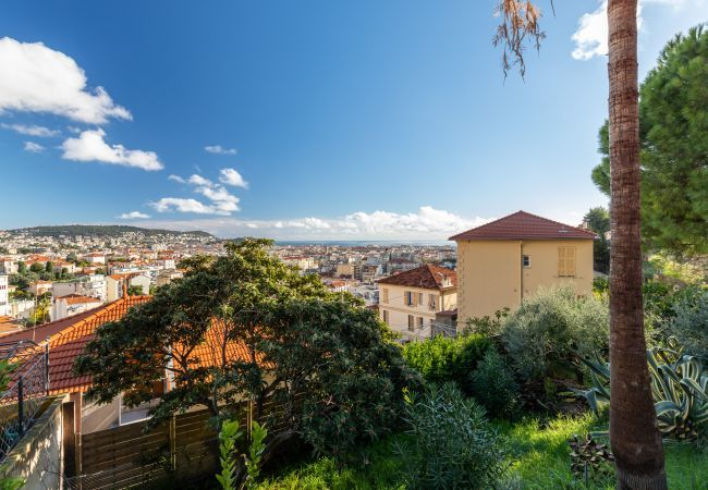 House in Nice - Centragence - CLAIR LOGIS - 8 personnes